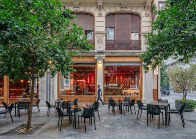 Le restaurant Frankie's Burger Bar a ouvert ses portes dans le centre de Valence | MisterWils. Plus de 4000m² d'exposition...9