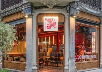 Le restaurant Frankie's Burger Bar a ouvert ses portes dans le centre de Valence | MisterWils. Plus de 4000m² d'exposition...8
